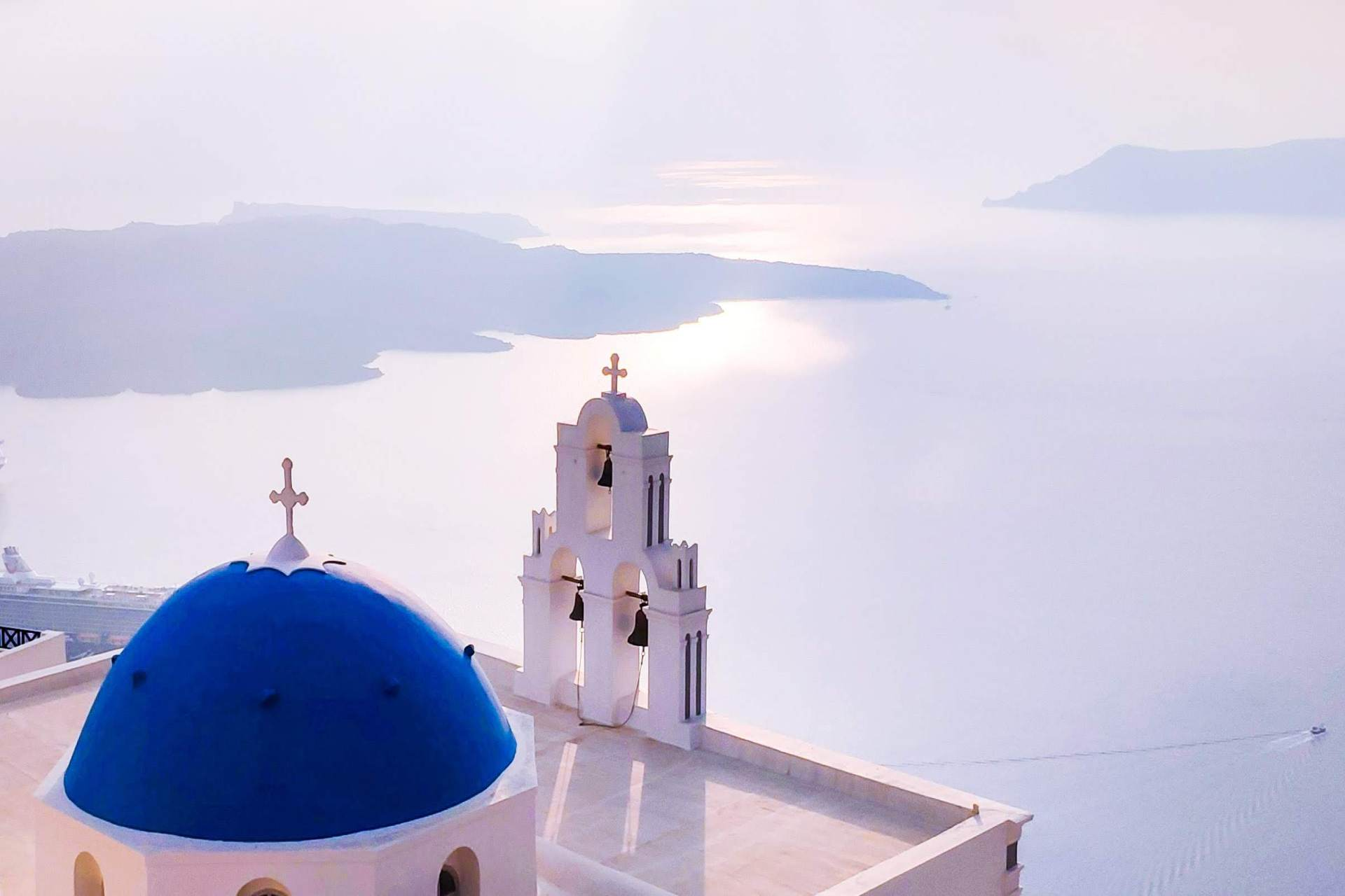 Greece: Blue meets white